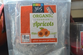 making baby food using dried apricot